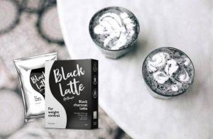 Latte noir et deux verres
