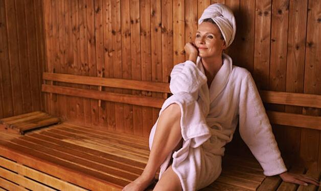 Bain de vapeur ou sauna pour les douleurs articulaires