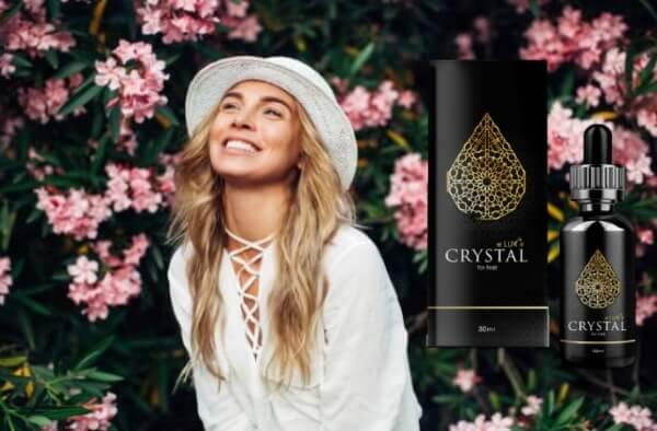 Crystal Eluxir, femme au chapeau, fleurs