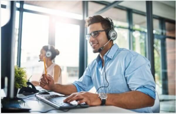 centre d'appels, service client, opérateur