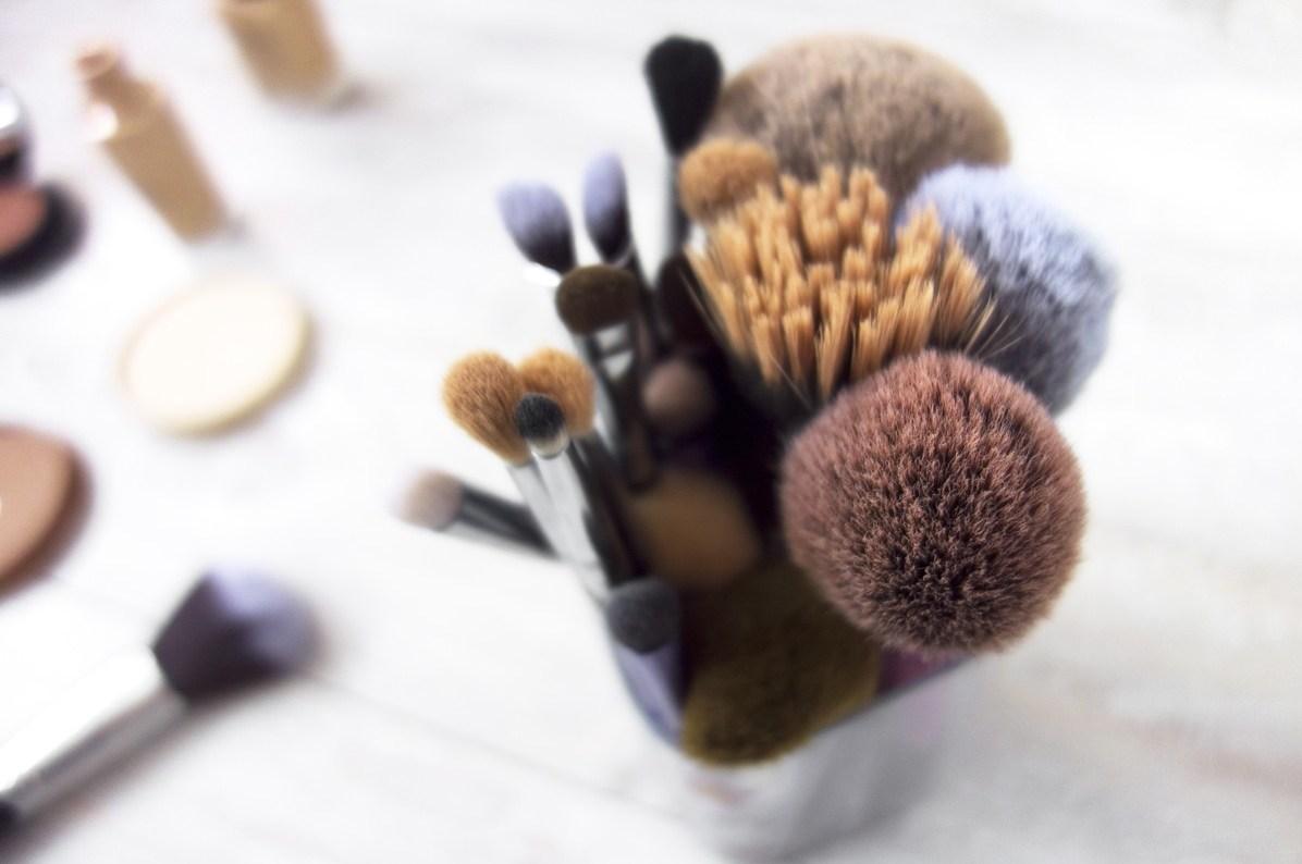 Avantages et inconvénients des cheveux naturels et synthétiques