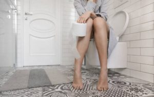 femme, papier toilette