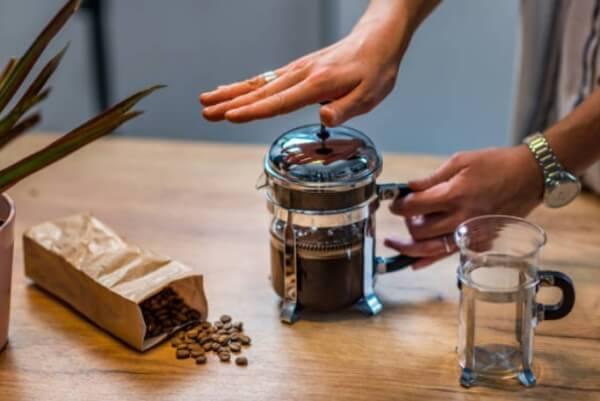 régime, caféine, presse à café