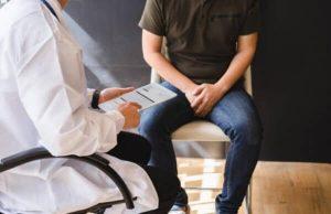 homme chez l'urologue