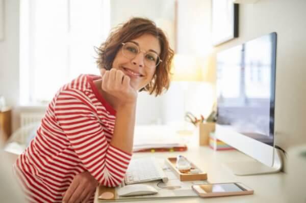 femme, travail à domicile, bureau à domicile