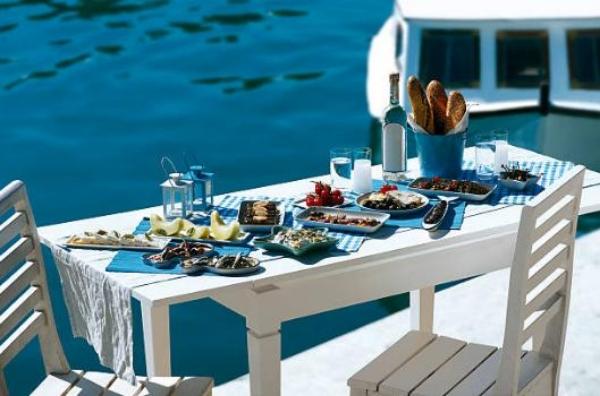 table grecque